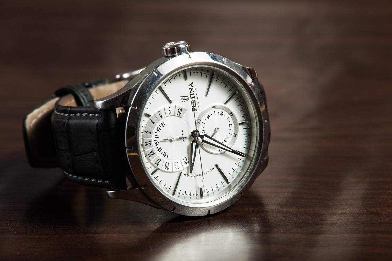 Amanet ceasuri de lux